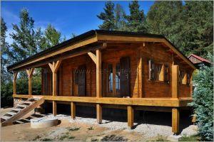 Výroba a montáž dřevěné terasy ke srubové chatě