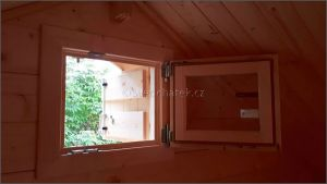 Srubová chata s galerií interiér