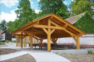 Atypický dřevěný altán a pergola