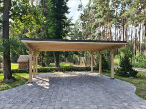 Dřevěné stání pro 2 auta