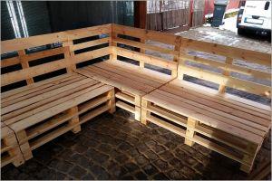 Dřevěný zahradní nábytek z palet